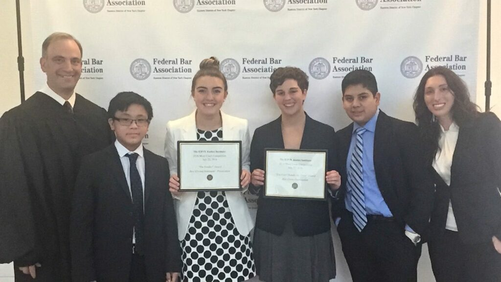 Mock Trial Team Attends US District Court's Justice Institute